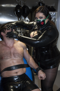 rubber mistress Miss Mighty in London chambers